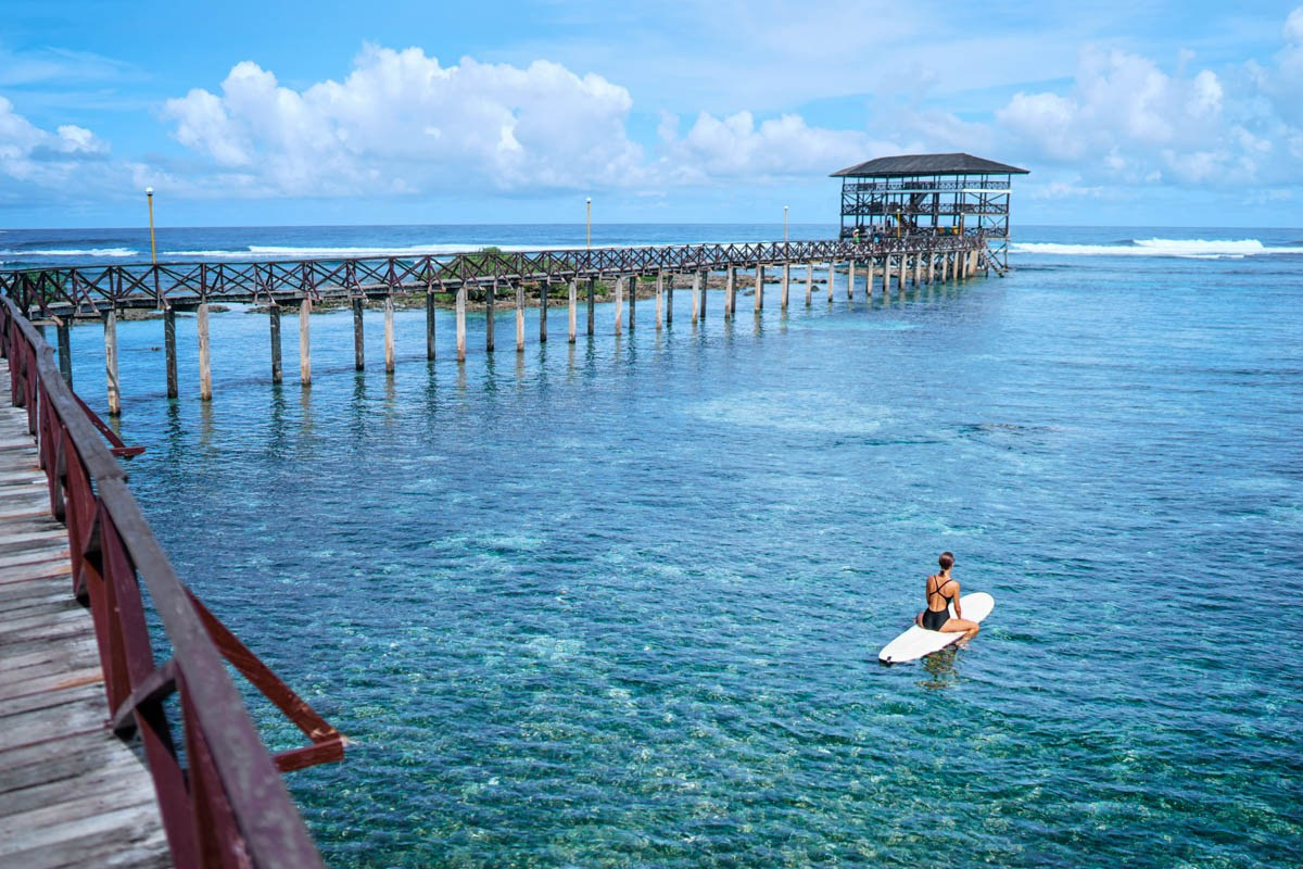 Travelers Who Relax On The Cloud 9 Beach, Siargao